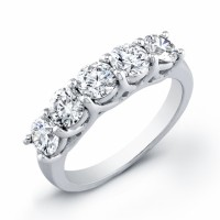 beautiful white gold band with 5 diamonds 1.81 carats