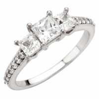 1 carat diamond ring 3 diamonds buy at the discount LA Jewelry Mart